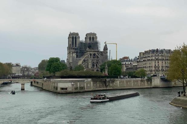Notre-Dame: reconstruction, promesses, et premiers grincements de dents
