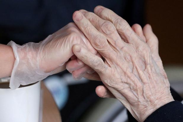 Studie: 'Ongeveer helft van Europese sterfgevallen covid-19 in woonzorgcentra'