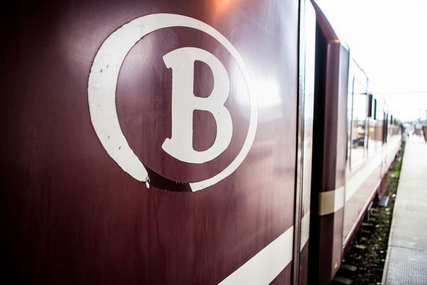 500 reizigers uit geblokkeerde treinen geëvacueerd in West-Vlaanderen