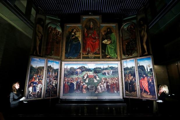 La première fresque inspirée de l'Agneau mystique dévoilée à Gand