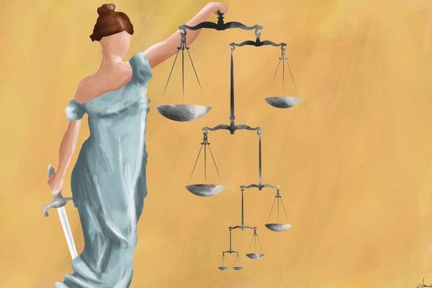"""'Het adagium """"iedereen is gelijk voor de wet"""" geldt niet voor de toepassing ervan'"""