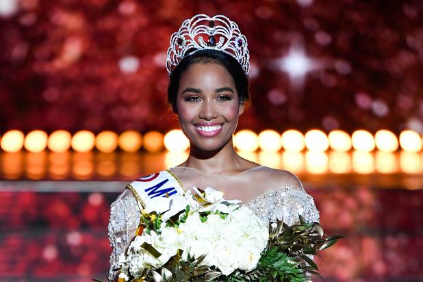 Clémence Botino désignée Miss France 2020