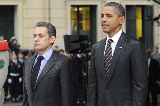 """Sarkozy """"bombe le torse comme un petit coq"""", dit Obama dans ses mémoires"""