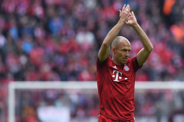 """La retraite, """"une option"""" pour Arjen Robben"""