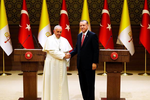 Erdogan belt paus Franciscus met vraag om geweld in Gaza te blijven veroordelen