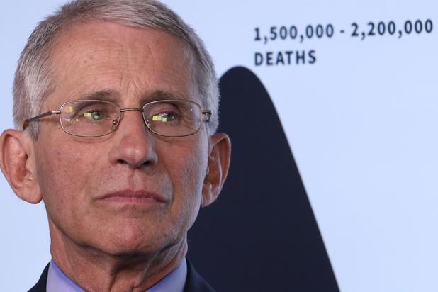 Immunoloog Anthony Fauci: 'Virus kan zich via spraak en ademhaling overdragen'