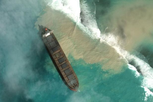 Experts: 'Olieramp Mauritius bedreigt koraal op lange termijn'