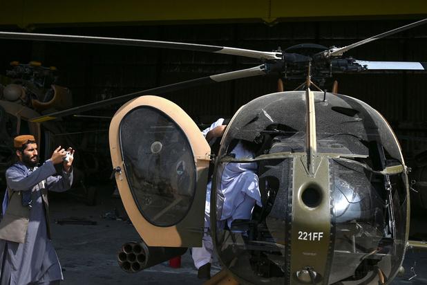Taliban ontmantelen controleposten bij vliegveld Kaboel
