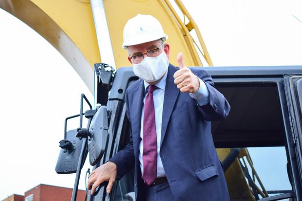Le premier coup de pelle du futur Palais de justice de Namur donné par Koen Geens