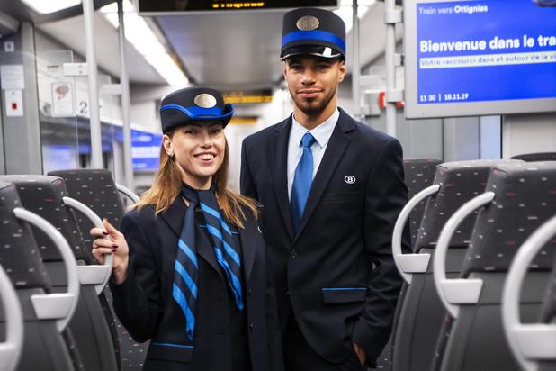 NMBS-medewerkers dragen vanaf vandaag blauwe uniformen