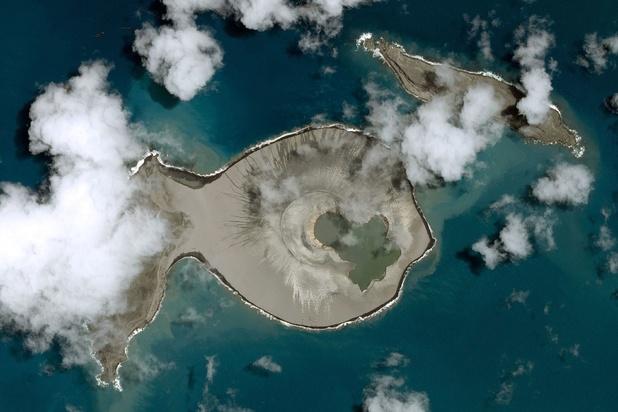 Une éruption volcanique crée une nouvelle île dans l'archipel des Tonga