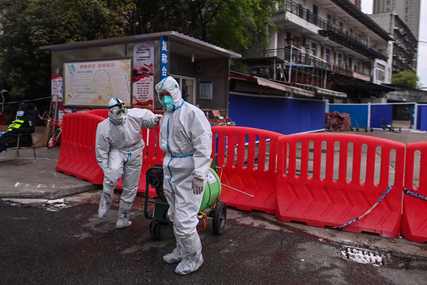 Oorsprong coronavirus nog steeds onduidelijk, maar 'wellicht niet afkomstig uit Chinees lab'
