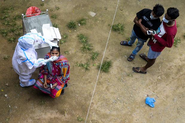 En Inde, le mystère de la faible mortalité du coronavirus