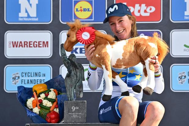 Annemiek van Vleuten solo naar winst in Ronde van Vlaanderen