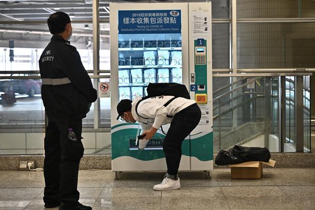Nouvelles restrictions à Hong Kong, face à une quatrième vague