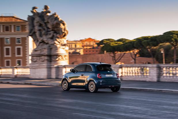 """Après le cabrio voici la berline Fiat 500 """"La Prima"""""""