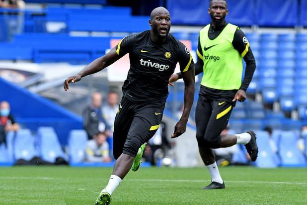 Romelu Lukaku voorgesteld bij Chelsea: 'Iedereen hier is ambitieus en ik ook' (video)