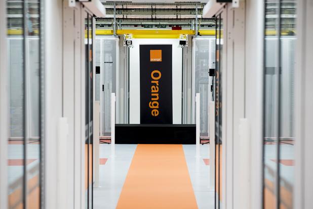 Investeringsfonds neemt Deminor onder de arm om hoger bod van Orange af te dwingen