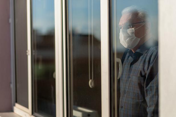 Getuigenissen uit woonzorgcentra tonen chaos tijdens coronacrisis