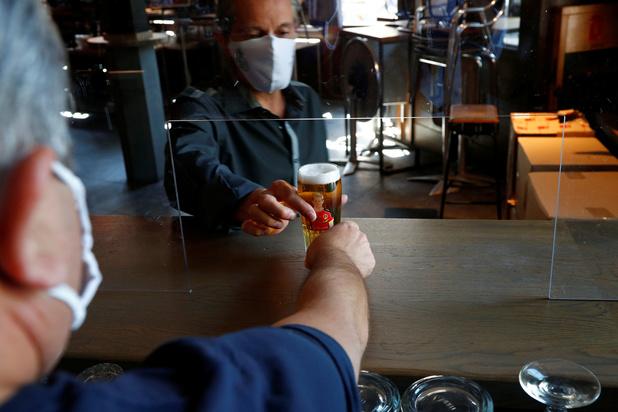 Horeca Vlaanderen overweegt juridische stappen tegen de algemene sluiting van cafés en restaurants