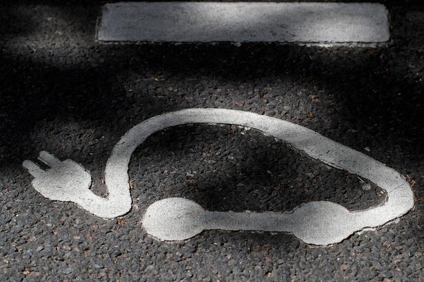 Land doorkruisen met elektrische auto is héél moeilijk, besluit Test Aankoop uit praktijktest (video)