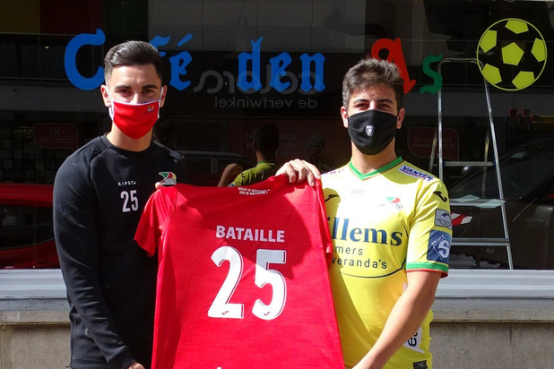 KVO-fan Michael Saelens heropent Café Den As met fanclub Jelle Bataille