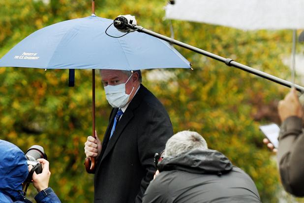 Stafchef Witte Huis: 'We gaan de coronapandemie niet onder controle krijgen'