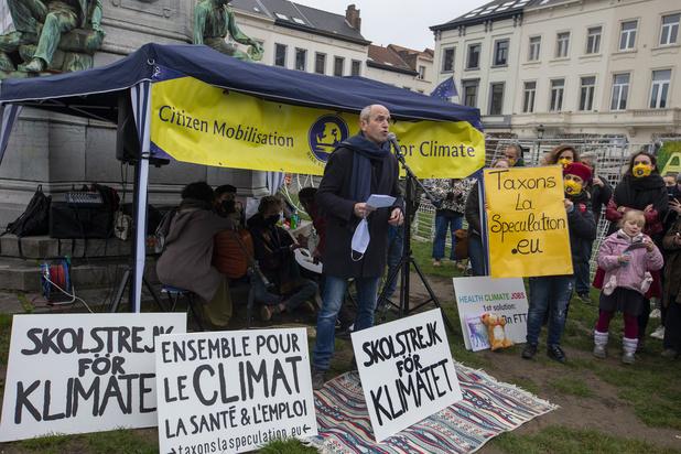 Action à Bruxelles pour demander une taxe sur les transactions financières