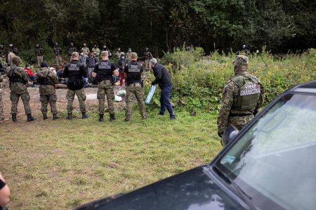 La Pologne prolonge l'état d'urgence à sa frontière avec le Bélarus