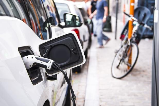 La révolution électrique pousse aux rapprochements dans le secteur automobile