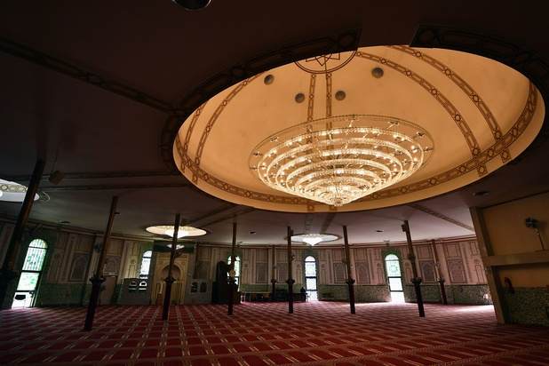 Grote Moskee: negatief advies voor doorstart vanwege spionage