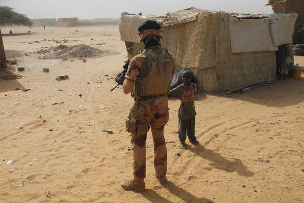 """Un médecin militaire français tué au Mali dans une opération contre des groupes """"terroristes"""""""