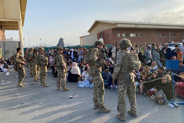 VS-troepen 'redden 169 mensen buiten de luchthaven'