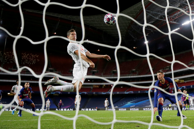 Bayern walst over FC Barcelona naar halve finales Champions League
