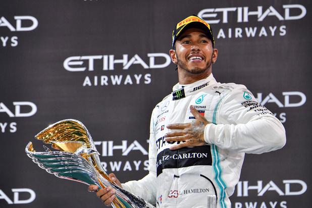 Ferrari flirt met wereldkampioen Lewis Hamilton