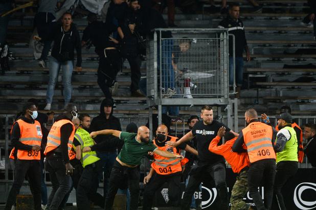 'Alstublieft, welke beelden levert dit op?': opnieuw supportersrellen in Frans voetbal