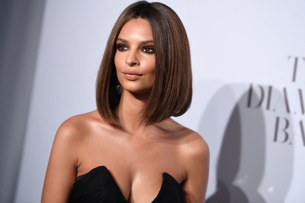 """""""Blurried Lines"""" : Emily Ratajkowski accuse Robin Thicke d'agression sexuelle"""
