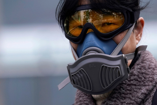 Zetten we naast een mondmasker straks ook een veiligheidsbril op?