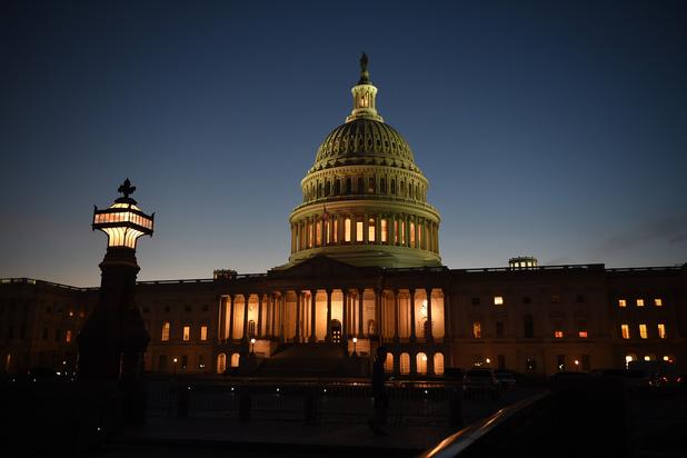 Le Sénat américain confirme la juge Barrett à la Cour suprême, victoire pour Trump