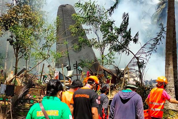 Minstens 45 doden bij crash legervliegtuig nabij Filipijnen (update)