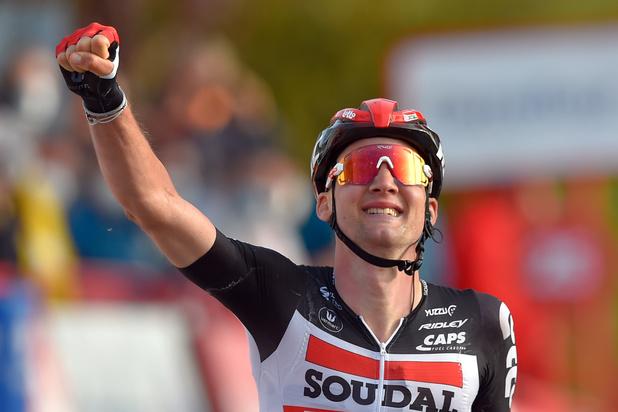 Tim Wellens wint vijfde rit in Ronde van Spanje en pakt bergtrui