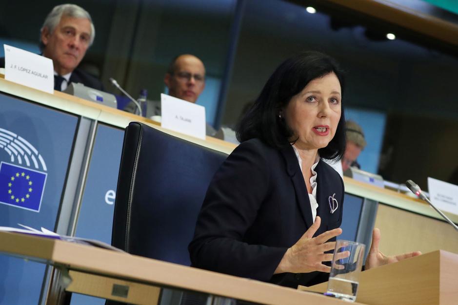 Vicevoorzitter Europese Commissie: 'In Polen wordt de justitie niet hervormd, ze wordt vernietigd'