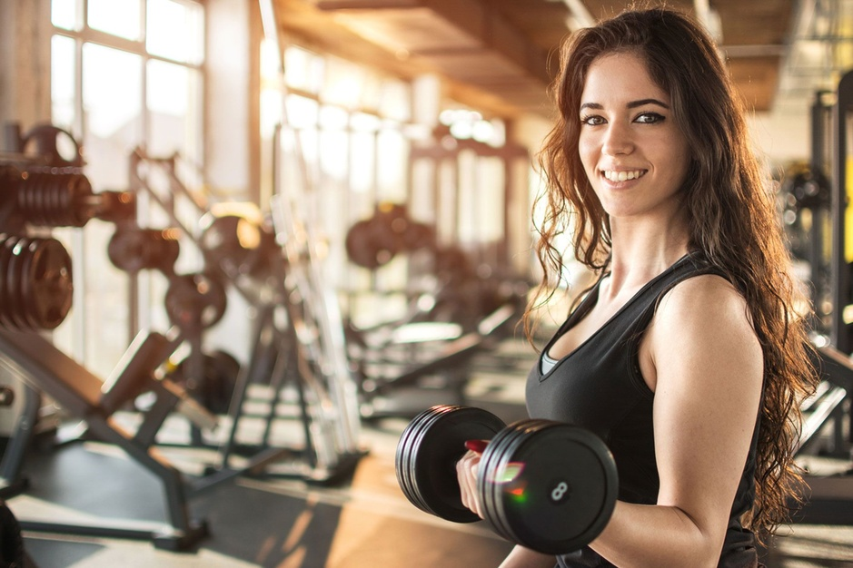 Factcheck: Nee, geen bewijs dat risico op corona 500x lager is in fitnesscentra