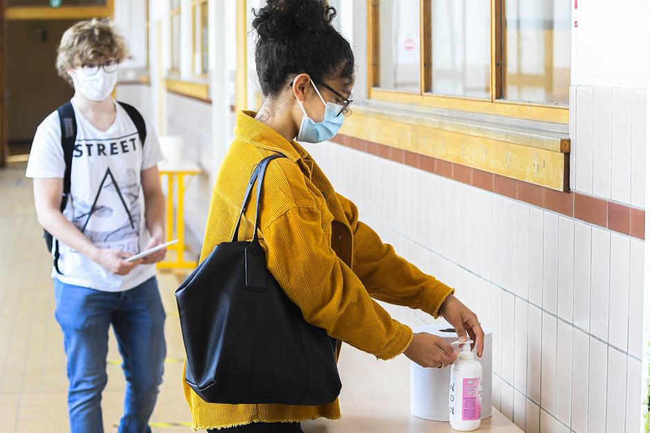 Factcheck: Nee, een leerling op school afzonderen omdat hij geen mondmasker draagt, is niet noodzakelijk discriminatie