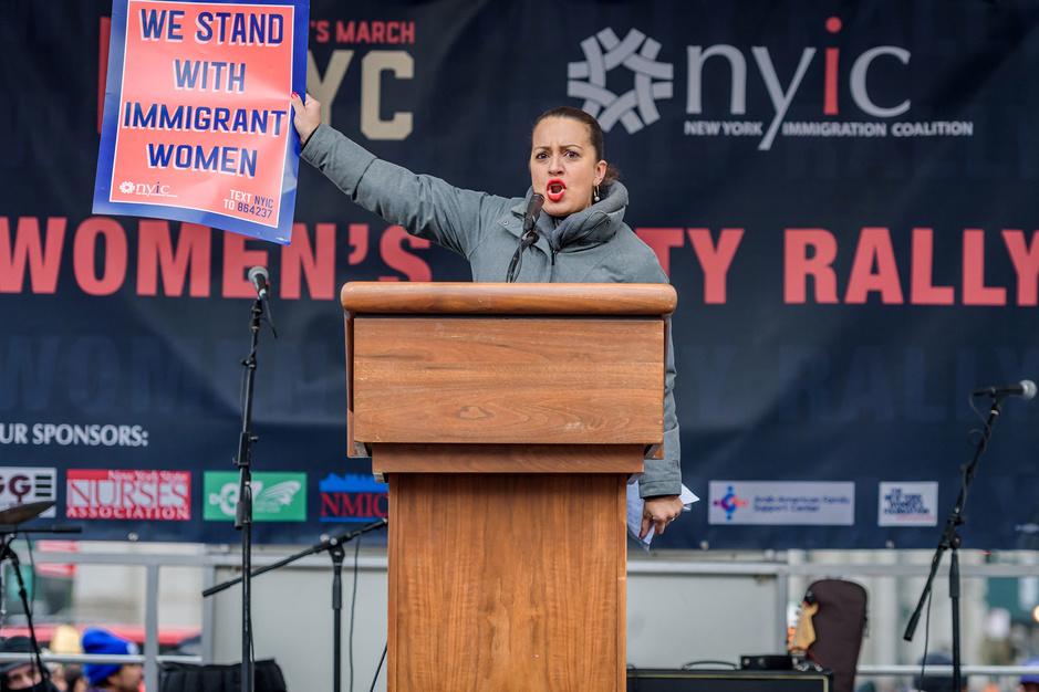 Parlementslid Catalina Cruz: 'VS niet klaar voor vrouwelijke president. De eerste zal misschien latina zijn'