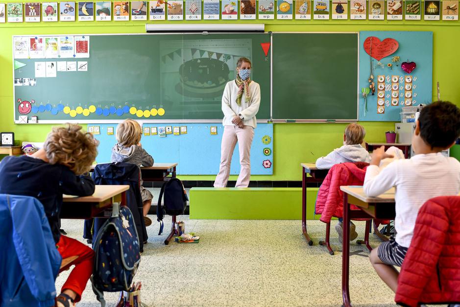 Van CO2 tot coronavirus: hoe gezond is de lucht in de klas?