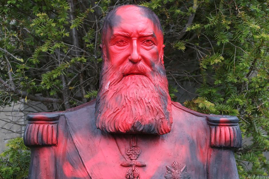 In beeld: deze standbeelden van historische figuren zijn gecontesteerd