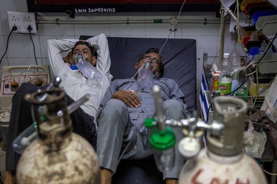 's Werelds ergste uitbraak: 1 miljoen besmettingen op 4 dagen tijd in India