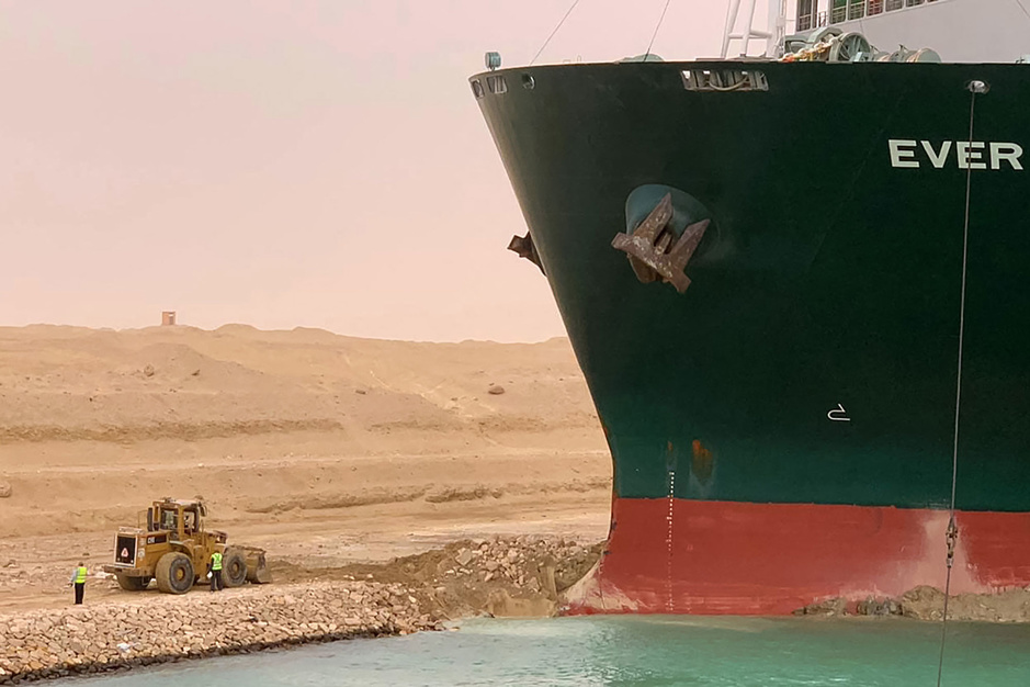 Suezkanaal: hoe bevrijd je een monsterschip van 224.000 ton?