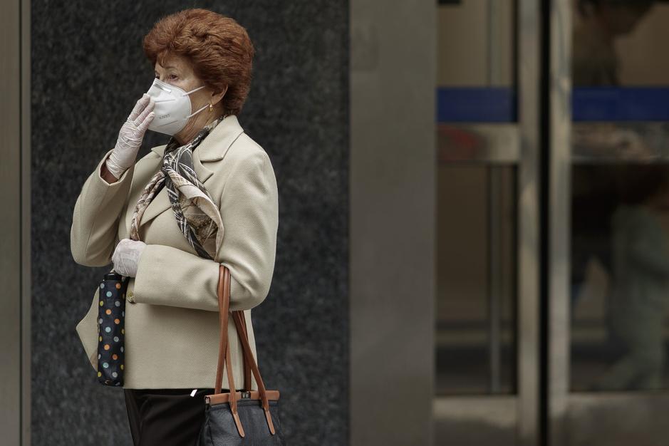 FFP2-maskers steeds meer verplicht: 'De mensen moeten de waarheid weten'